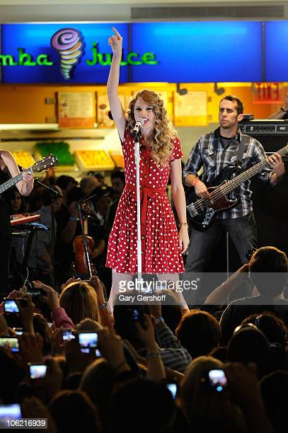 Recording artist Taylor Swift performs during JetBlue's Live From T5 concert series at Terminal 5 at JFK Airport on October 27, 2010 in the Queens...