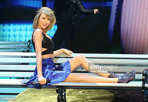 Recording artist Taylor Swift performs during Rock in Rio USA at the MGM Resorts Festival Grounds on May 15 2015 in Las Vegas Nevada