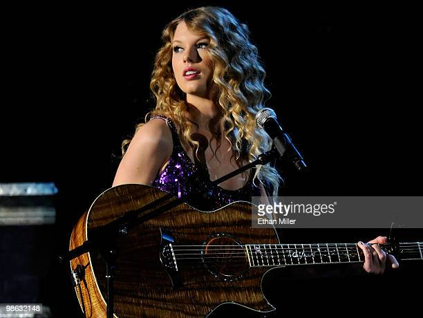 """Recording artist Taylor Swift performs during the """"Brooks & Dunn - The Last Rodeo"""" show presented by the Academy of Country Music at the MGM Grand..."""