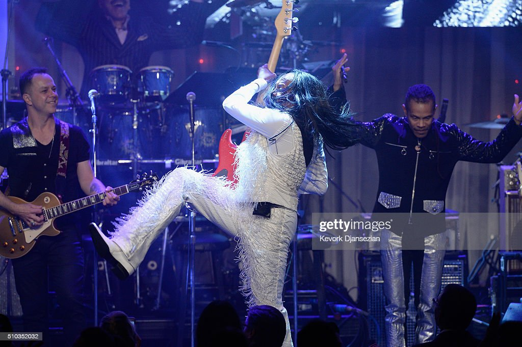 Recording artist Verdine White (C) of music group Earth, Wind & Fire performs onstage during the 2016 Pre-GRAMMY Gala and Salute to Industry Icons honoring Irving Azoff at The Beverly Hilton Hotel on February 14, 2016 in Beverly Hills, California.