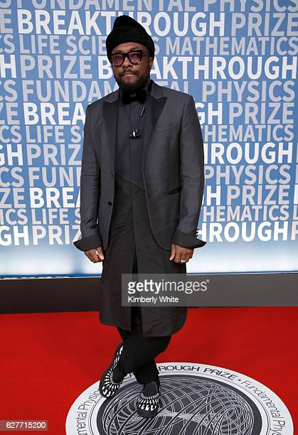 Recording Artist William attends the 2017 Breakthrough Prize at NASA Ames Research Center on December 4 2016 in Mountain View California