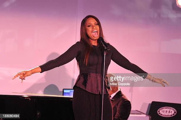 Recording artist/actress Jennifer Hudson performs at the Fourth annual Martha Stewart Center for Living at Mount Sinai gala at the Martha Stewart...