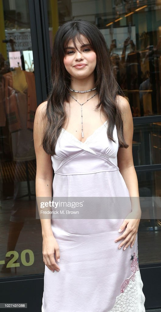 Coach Hosts Meet + Greet with Selena Gomez at The Grove : ニュース写真