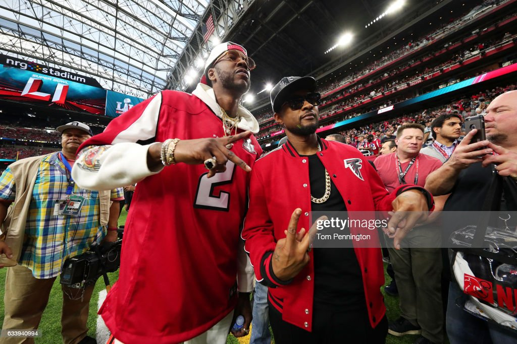 Recording artists 2 Chainz (L) and Usher pose prior to Super Bowl 51 between the New England Patriots and the Atlanta Falcons at NRG Stadium on February 5, 2017 in Houston, Texas.