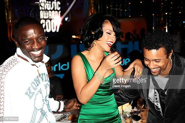 Recording artists Akon, Rihanna and Shaggy attend the show at the World Music Awards 2007 at the Monte Carlo Sporting Club on November 4, 2007 in...