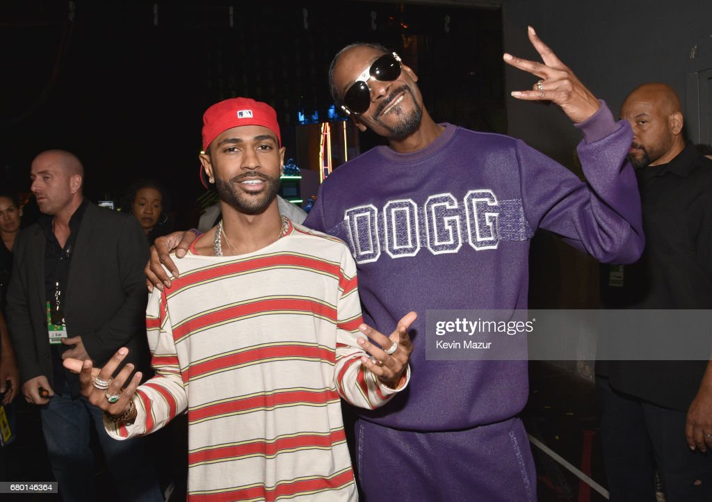 Recording artists Big Sean (L) and Snoop Dogg attend the 2017 MTV Movie And TV Awards at The Shrine Auditorium on May 7, 2017 in Los Angeles, California.