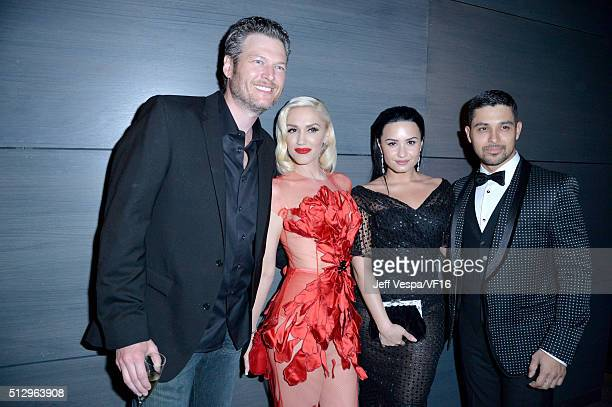 Recording artists Blake Shelton Gwen Stefani Demi Lovato and actor Wilmer Valderrama attend the 2016 Vanity Fair Oscar Party Hosted By Graydon Carter...