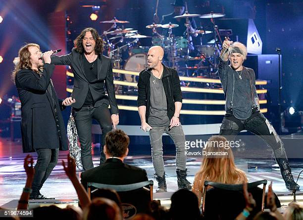 Recording artists Caleb Johnson Constantine Maroulis Chris Daughtry and James Durbin perform onstage during FOX's 'American Idol' Finale For The...