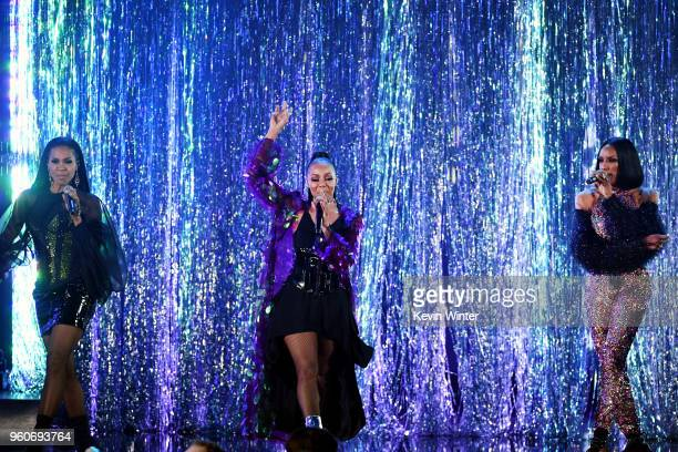 Recording artists Cindy Herron Terry Ellis and Rhona Bennett of musical group En Vogue perform onstage during the 2018 Billboard Music Awards at MGM...