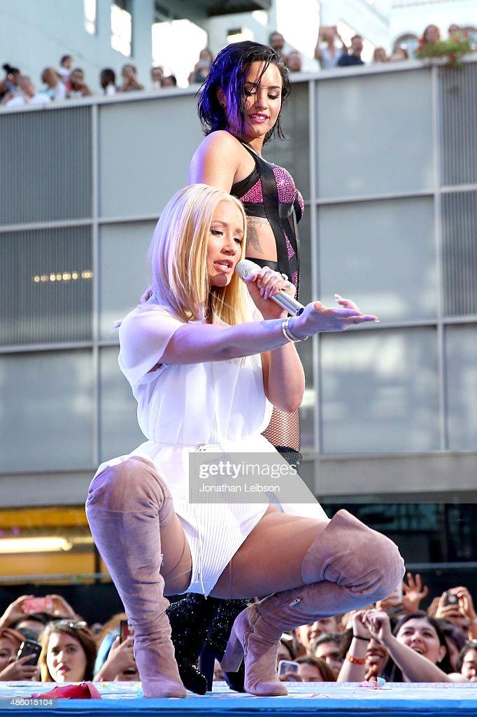 2015 MTV Video Music Awards - Pepsi Stage : News Photo