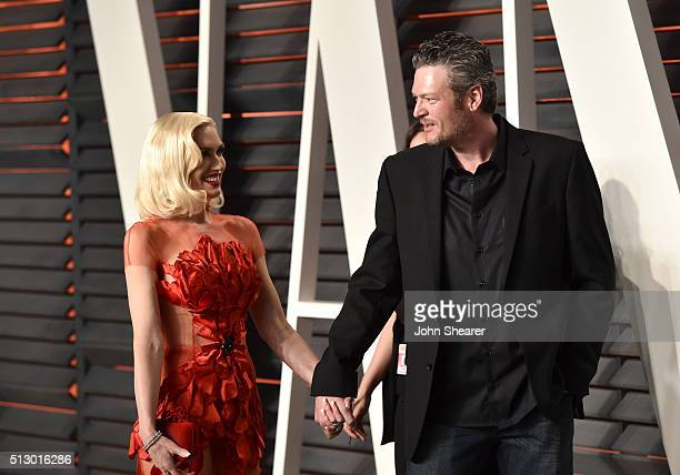 Recording artists Gwen Stefani and Blake Shelton arrive at the 2016 Vanity Fair Oscar Party Hosted By Graydon Carter at Wallis Annenberg Center for...