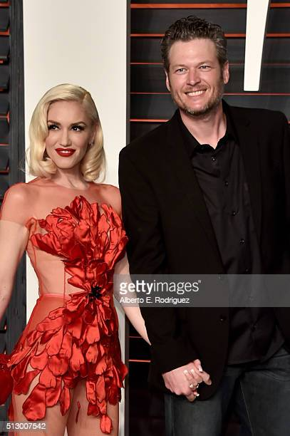 Recording artists Gwen Stefani and Blake Shelton attend the 2016 Vanity Fair Oscar Party hosted By Graydon Carter at Wallis Annenberg Center for the...