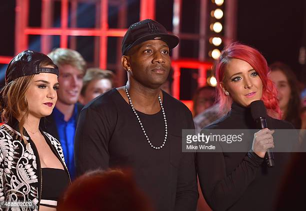 Recording artists JoJo DeStorm Power and internet personality Jenna Marbles speak at VH1's 5th Annual Streamy Awards at the Hollywood Palladium on...