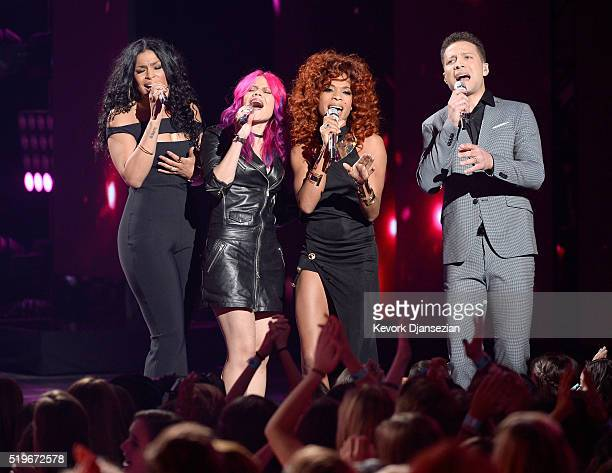 Recording artists Jordin Sparks Allison Iraheta Tamyra Gray and Justin Guarini perform onstage during FOX's 'American Idol' Finale For The Farewell...