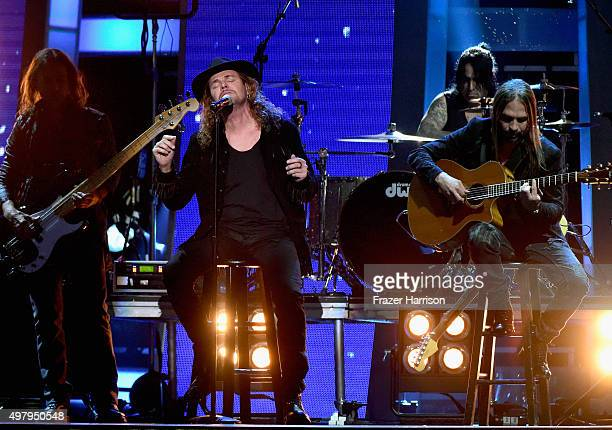 Recording artists Juan Calleros Fher Olvera Alex Gonzalez and Sergio Vallin of music group Mana perform onstage during the 16th Latin GRAMMY Awards...