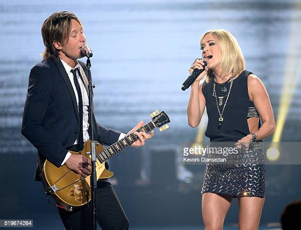 Recording artists Keith Urban and Carrie Underwood perform onstage during FOX's American Idol Finale For The Farewell Season at Dolby Theatre on...
