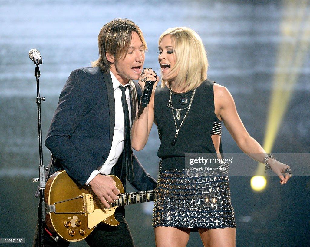 "FOX's ""American Idol"" Finale For The Farewell Season - Show : News Photo"