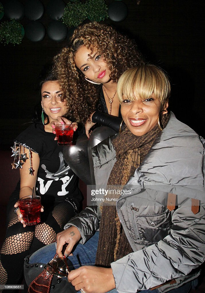 Recording artists Luciana, Starshell, and Mary J. Blige visit Greenhouse on November 15, 2010 in New York City.