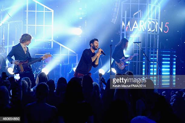 Recording artists Mickey Madden Adam Levine and James Valentine of music group Maroon 5 perform onstage during the PEOPLE Magazine Awards at The...