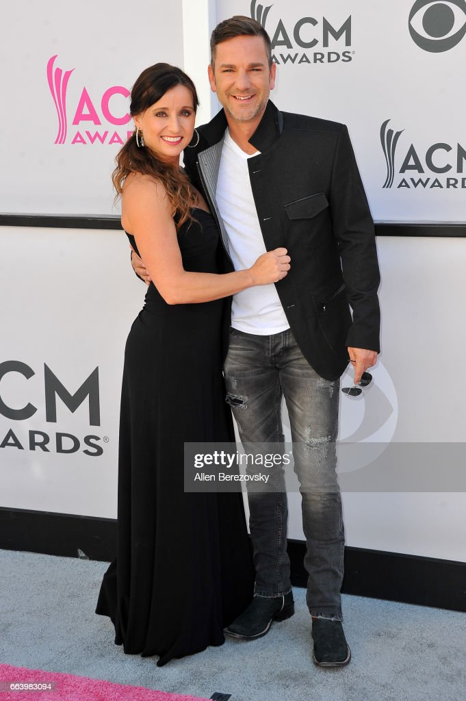 Recording artists Mindy Ellis (L) and Craig Campbell arrive at the 52nd Academy Of Country Music Awards on April 2, 2017 in Las Vegas, Nevada.
