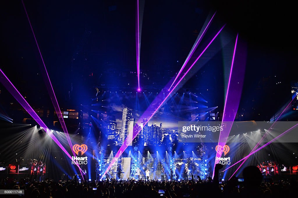 Recording artists Niall Horan, Liam Payne, Louis Tomlinson and Harry Styles of One Direction perform onstage during 102.7 KIIS FM's Jingle Ball 2015 Presented by Capital One at STAPLES CENTER on December 4, 2015 in Los Angeles, California.