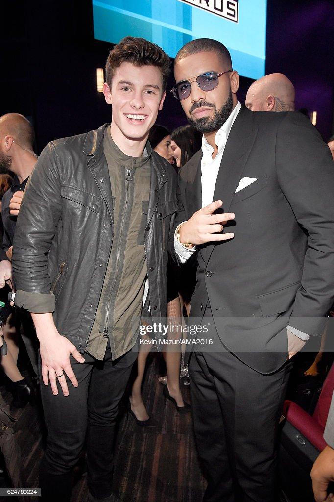 2016 American Music Awards - Roaming Show : News Photo