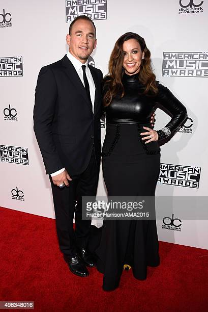 Recording Artists Souleye and Alanis Morissette attend the 2015 American Music Awards at Microsoft Theater on November 22 2015 in Los Angeles...
