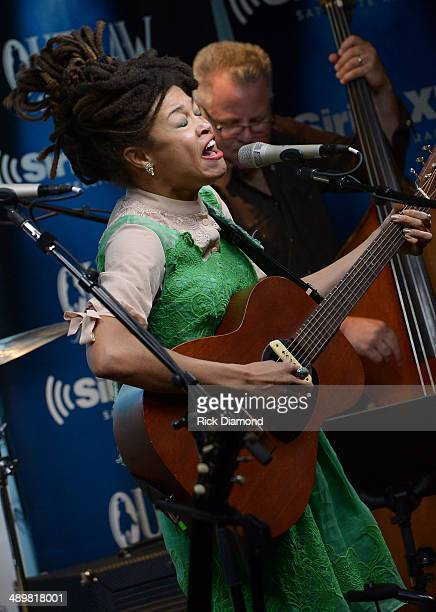Recording Artists Valerie June performs at the Americana Music Association 2014 Award Nominees Announcement at SIRIUS XM Studio on May 12 2014 in...