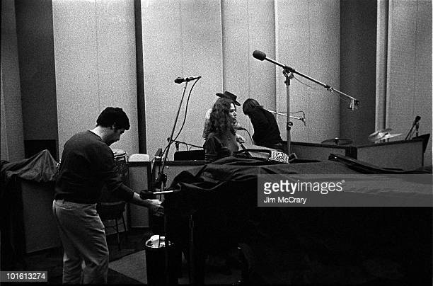Recording engineer Hank Cicalo and singersongwriter Carole King during the recording of her album 'Tapestry' at AM Records Recording Studio in...