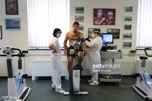 Recovered Coronavirus patient Emiliano Pescarolo, 42-years-old performs his last measurement of cardio-respiratory parameters at the end of his...