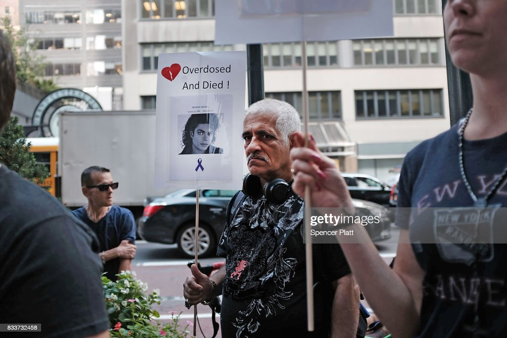 Recovering drug users, activists and social service providers hold a morning rally calling for 'bolder political action' in combating the overdose epidemic outside of the office of Governor Andrew Cuomo on August 17, 2017 in New York City. According to the latest data available from the National Institute on Drug Abuse, nearly 35,000 people across America died of heroin or opioid overdoses in 2015.