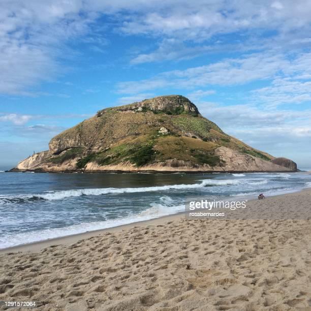 recreio beach near barra da tijuca and grumari, rio de janeiro, brazil - バーラ地区 ストックフォトと画像