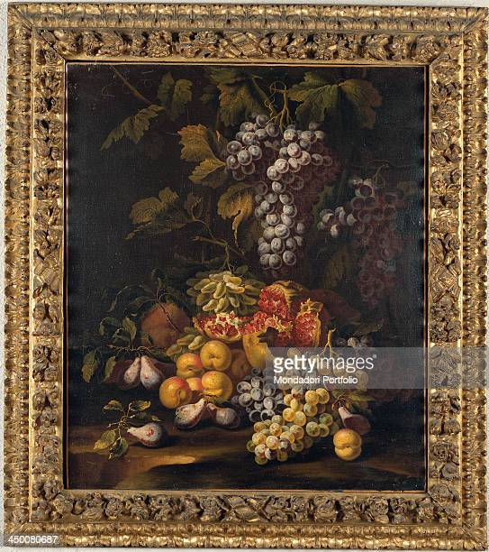 Rectangular wood carved frame by Emilian manufacture 1650 1700 17th Century water gilding fine gold with yellow bole 58 x 68 x 10 cm