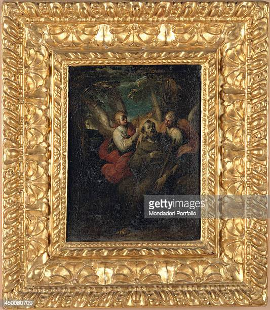 Rectangular wood frame by Emilian Tuscany manufacture 16th Century water gilding with red bole 25 x 33 x 12 cm
