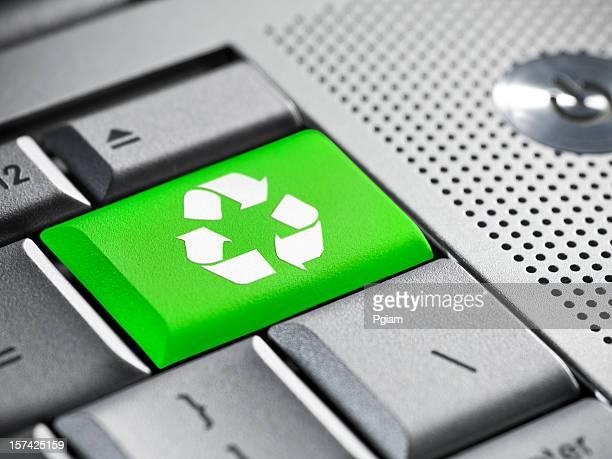 Recycler symbole sur un clavier d'ordinateur portable