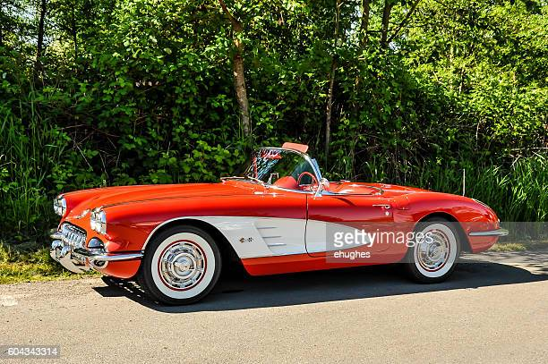red 1958 chevrolet corvette - chevrolet corvette stock pictures, royalty-free photos & images