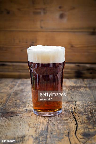 Red Ale in pint glass