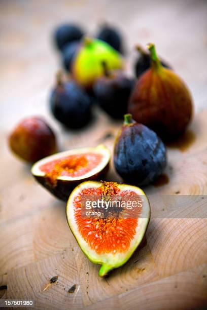 red and black figs