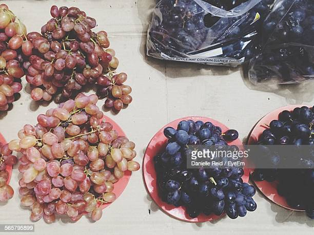 red and black grapes - danielle reid stock pictures, royalty-free photos & images