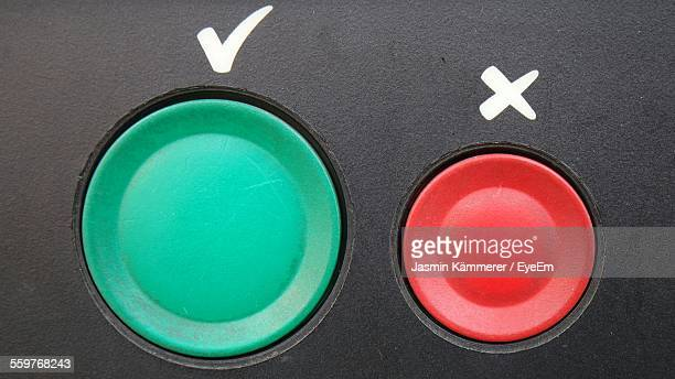 Red And Green Buttons