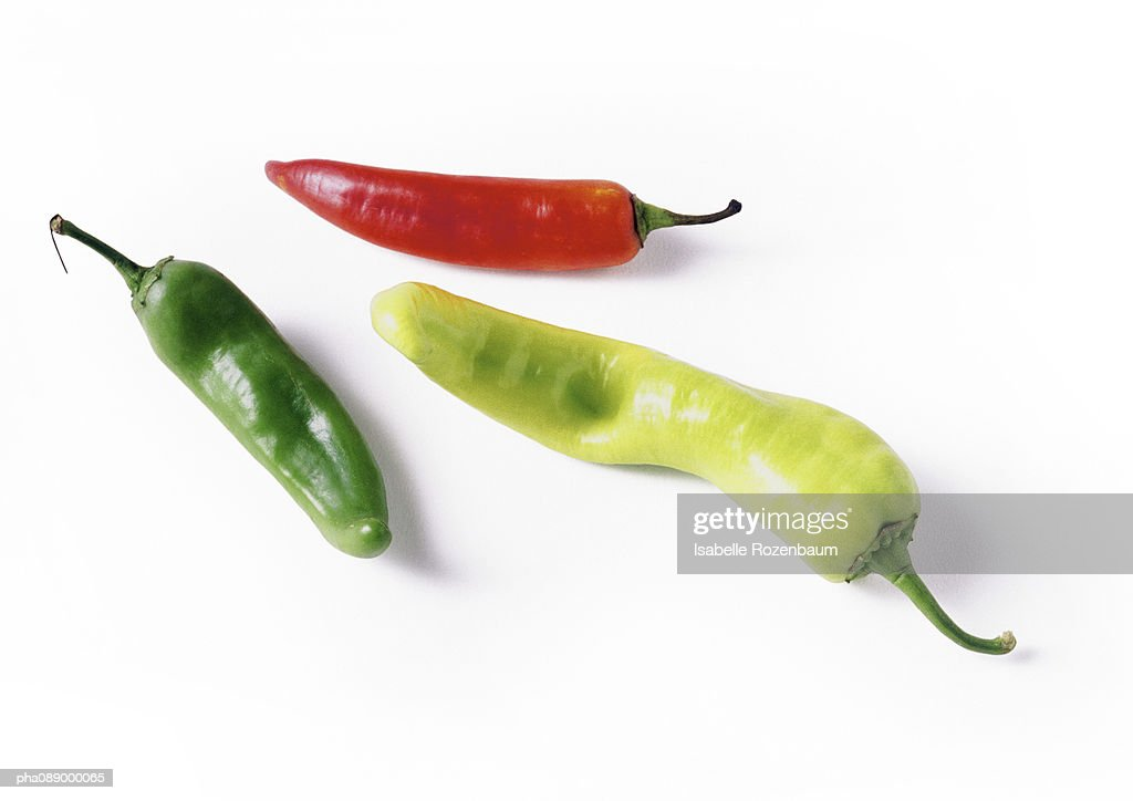 Red and green chili peppers, full length : Stockfoto