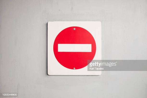 red and white stop sign - verboten stock-fotos und bilder