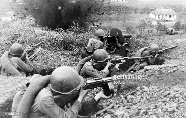 Red army men fighting for a village in the northern caucasus 1942