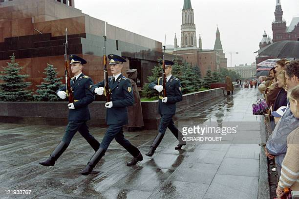 Red Army soldiers members of Lenin's honour guard parade in front of Lenin's Mausoleum on Moscow's Red Square on August 29 a few days after the...