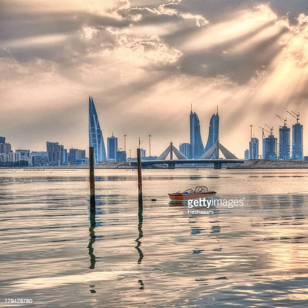 red boat - manama stock pictures, royalty-free photos & images