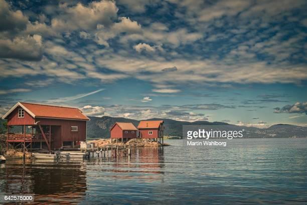Roten Hausboote in Norwegen