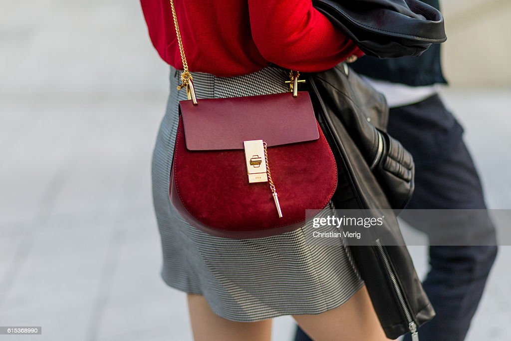 Street Style - HERA Seoul Fashion Week - Day 2 : News Photo