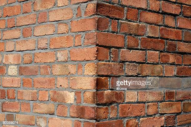 red brick wall corner - corner stock pictures, royalty-free photos & images