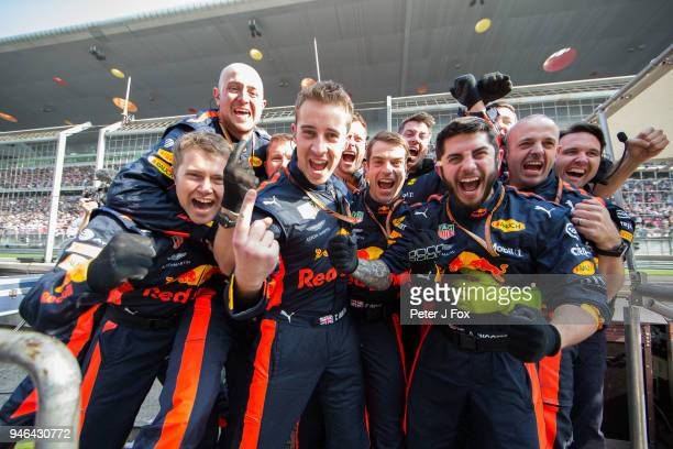 Red Bull Racing mechanics during the Formula One Grand Prix of China at Shanghai International Circuit on April 15 2018 in Shanghai China