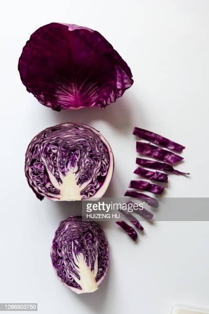 red cabbage - rodekool stockfoto's en -beelden